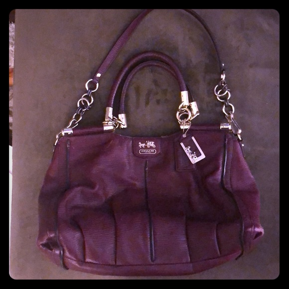 07bbdf09649e4 Limited Edition Magenta Leather Coach Bag